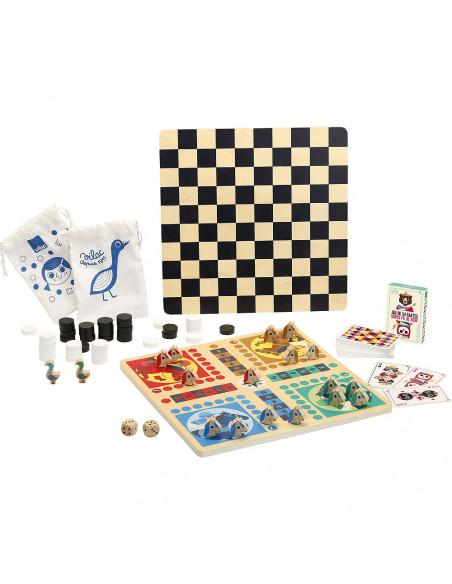 Tradičné drevený súbor stolných hier